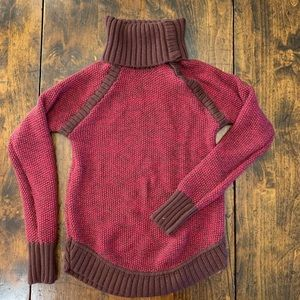 Lululemon - Maroon and Brown Active Sweater